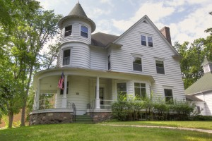 111 University St W, Owatonna (Seller)