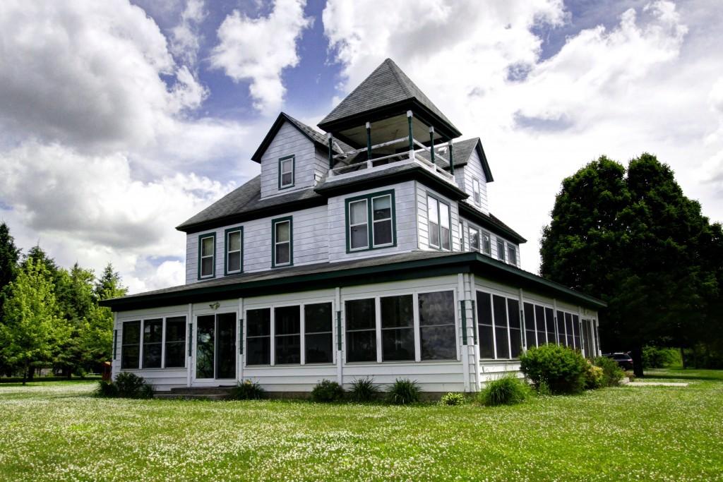 Wood's Hilltop Beach House